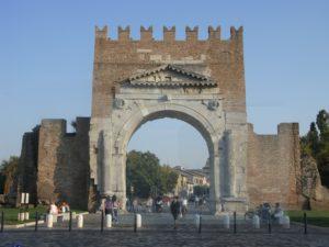 Rimini,_Arco_di_Augusto_1