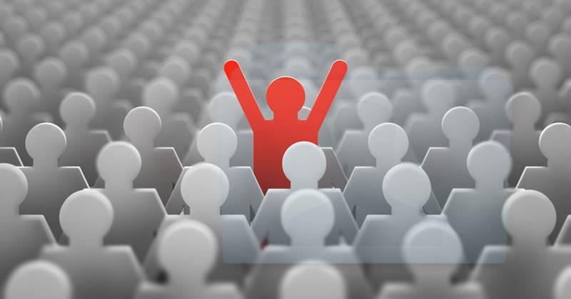in mezzo a tanti singoli utenti della rete, desideriamo raggiungere proprio la persona che si interessa delle nostre stesse cose: il vero collega [mento]